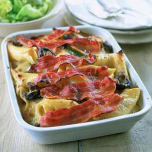 Easy pasta gratin with wild mushrooms and bacon - easy pasta bakes - pasta bake recipe - gratin recipe - food - allaboutyou.com